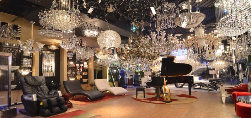 crystal-chandeliers-lbx-store-houston